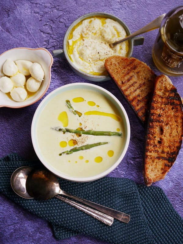 Asparagus Soup with Cauliflower Cream P TENINA