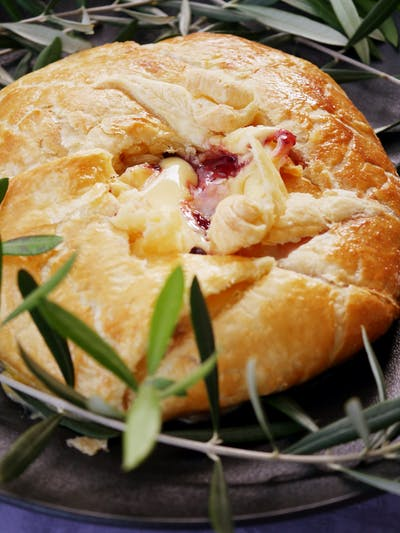 Baked Cranberry Brie in Pastry