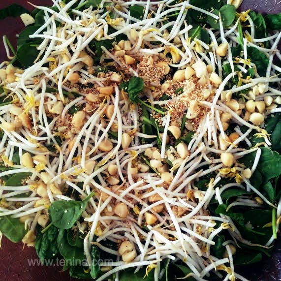 Crunchy-Asian-Green-Salad