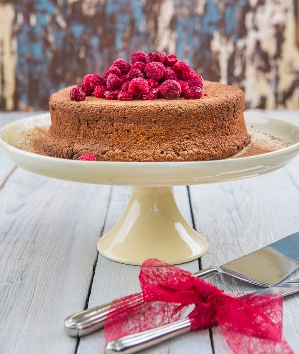 Hazelnut Sour Cream Cakewith Raspberries