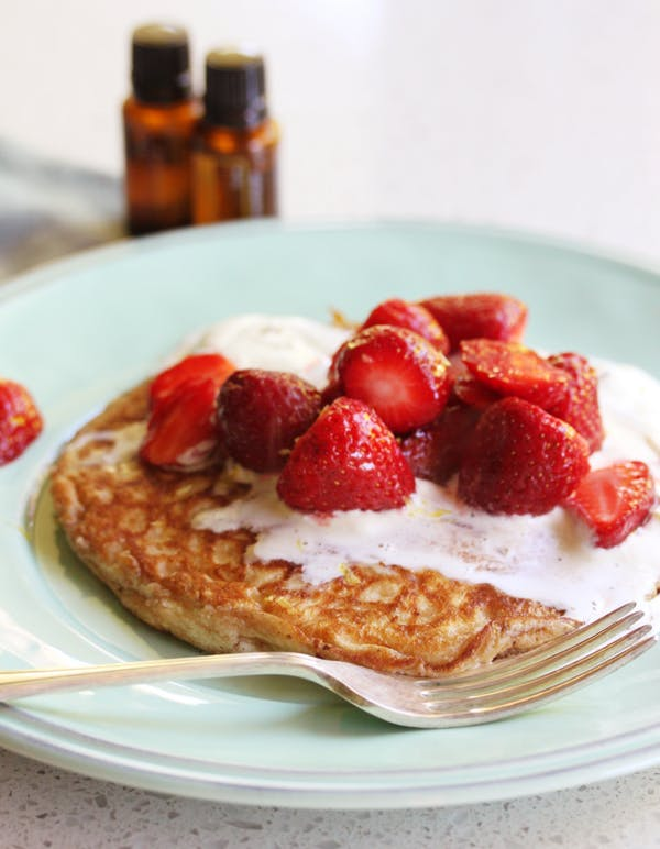 Lemon Ricotta Pancakes With Honey Lavender Cream Fotor