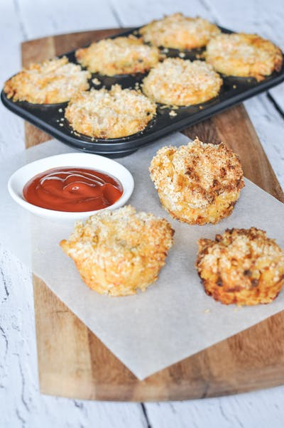 Mac 'n' Blue Cheese Prawn Cakes