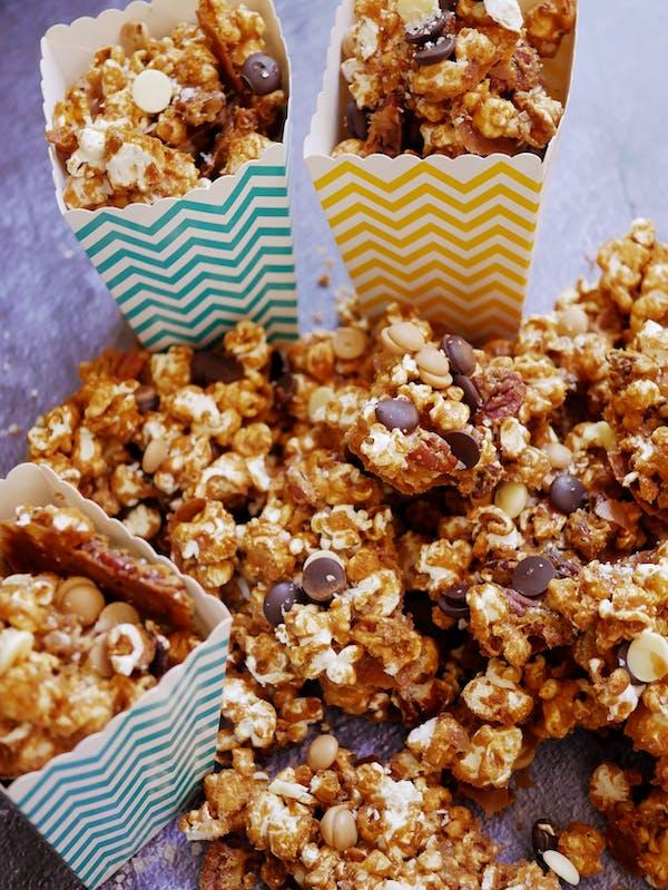 Maple Pecan Caramel Popcorn P TENINA