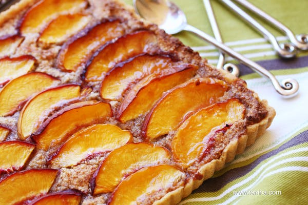 Nectarine-Almond-Tart-ECU Fotor