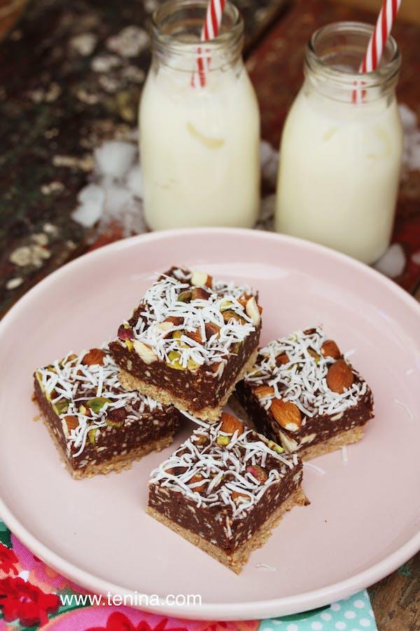Nutty-Raw-Brownies-1 Fotor