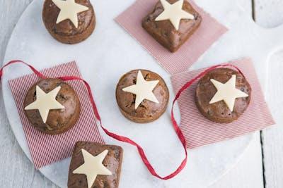 Mini Steamed Christmas Cakes & Brandy Butter