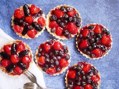 White Chocolate Custard Fruit Tarts